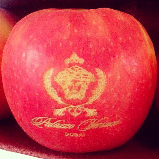 Medusa Pink Lady Apple. 🍎 😍#anappleadaykeepsthedoctoraway #fruitcarving