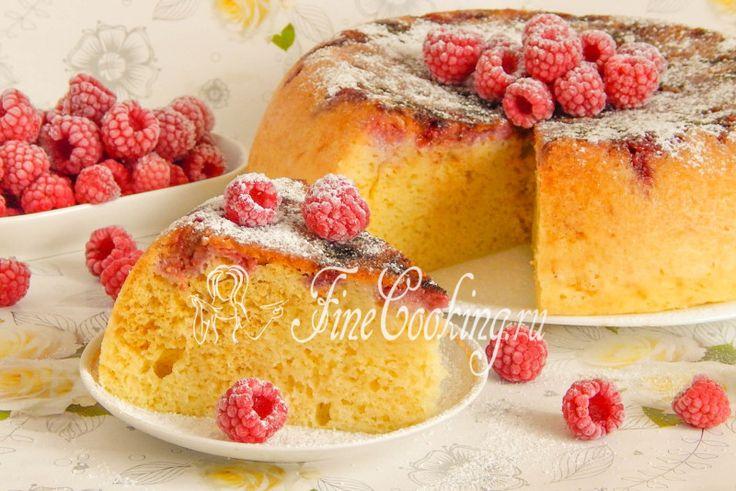 Сочный кукурузный пирог с ягодами в мультиварке - рецепт с фото