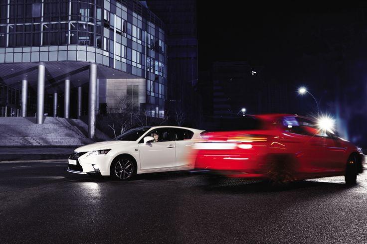 붉은 색과 흰색처럼 서로 조화를 이루면서도 대비되는, 우아하면서도 다이내믹한 양면적인 장점을 상징하는 THE NEW CT 200h   Lexus i-Magazine Ver.4 앱 다운로드 ▶ www.lexus.co.kr/magazine  #Lexus #Magazine #NEWCT200h #CT