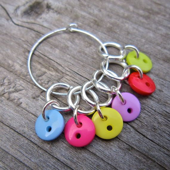 Button stitch marker set, 6 markers on convenient holder. Fits up to metric 5mm needles, US size 8, but can be made larger on request. A cute and