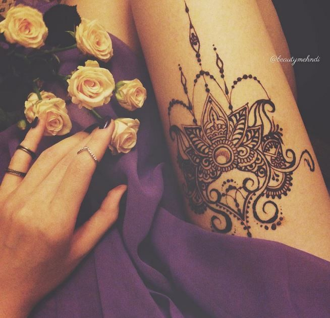 25 best ideas about thigh henna on pinterest henna art henna patterns and black mehndi designs. Black Bedroom Furniture Sets. Home Design Ideas