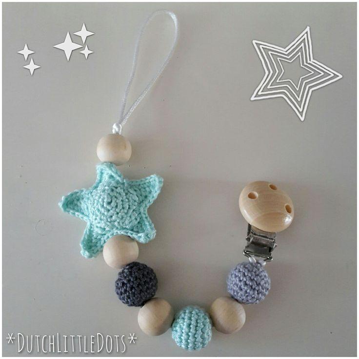 DutchLittleDots speenkoord met gehaakte ster omhaakte houten kralen gehaakt crochet pacifier clip cord wooden beads star babyshower gift cadeau baby kado