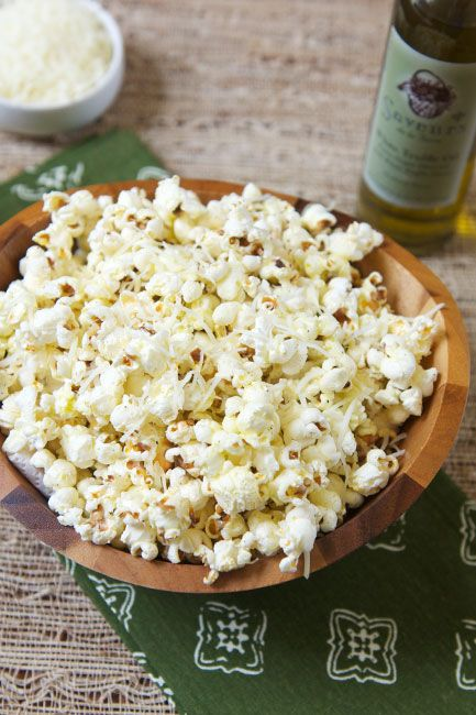 Truffle Oil Popcorn - Here is a great way to bring a unique flavor to popcorn. | Savorystyle.com