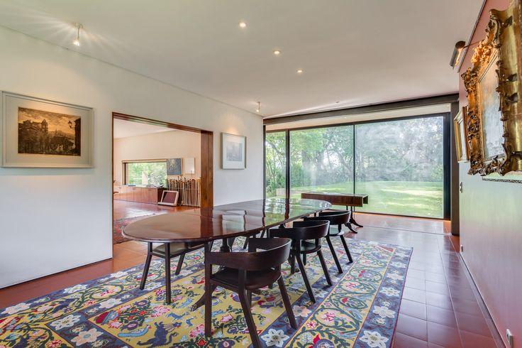 HomeLovers: dining room // big rug
