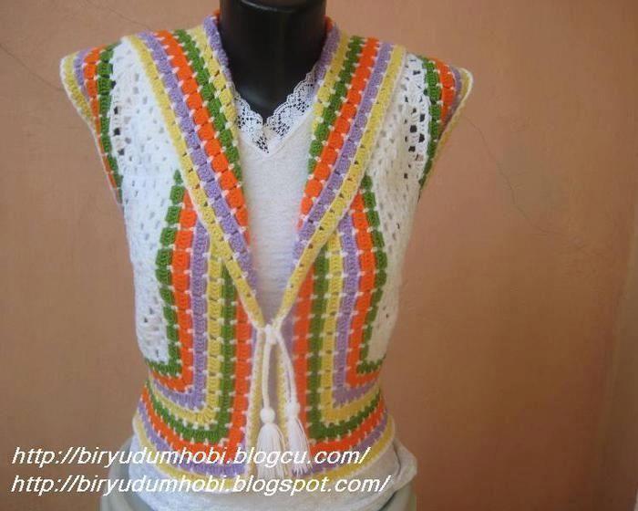 Kolay Bayan Yelek ModeliTejidos Knits, Tops, Crochet Boleros, Squares Vest, Chalecos, Photos Reveal, Granny Squares, Boleros Crochet, Easy Crochet