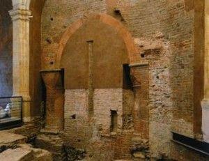 Ciò che resta del porticato in laterizio del 300 | Palazzo Madama