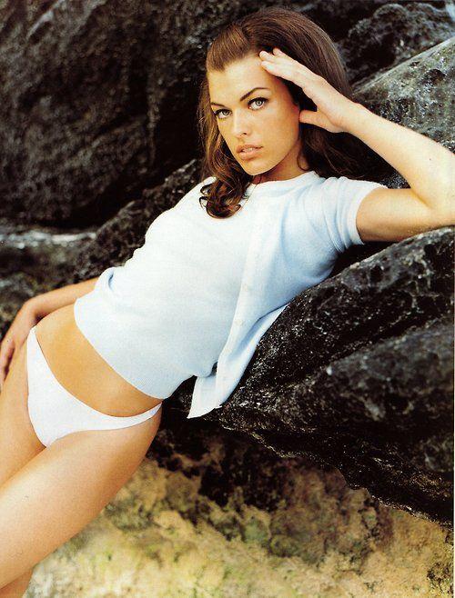 """Beach Music"", Harper's Bazaar US, December 1995 Photographer : Mario Testino Model : Milla Jovovich"