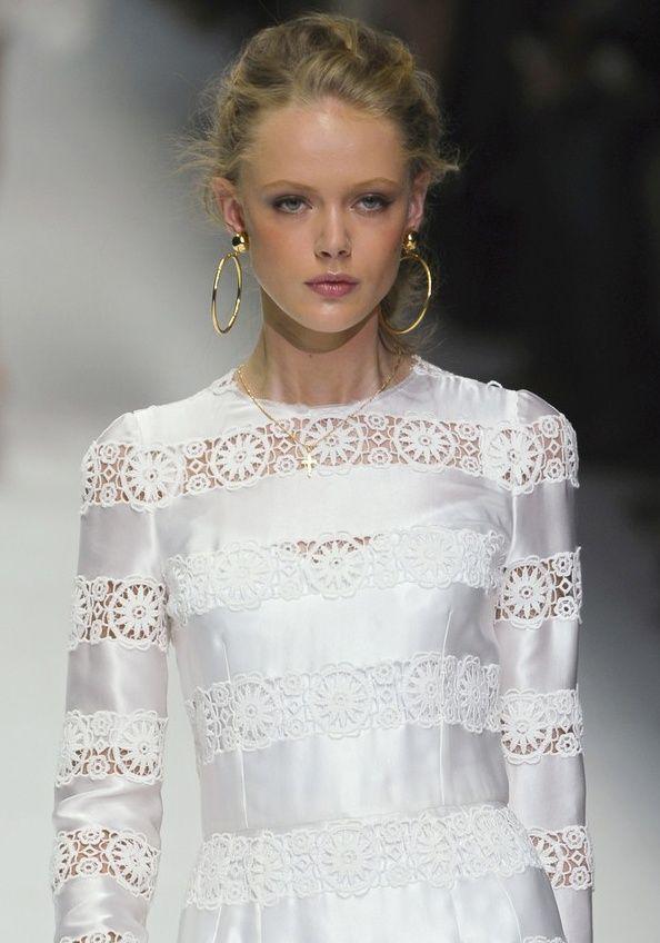 ♫ La-la-la Bonne vie ♪  <3: Summer Fashion, Fashion Dresses, Fashion Week, Couture Glamour, Gabbana Spring, White Lace, Fridagustavsson, Spring 2011, Lace Dresses