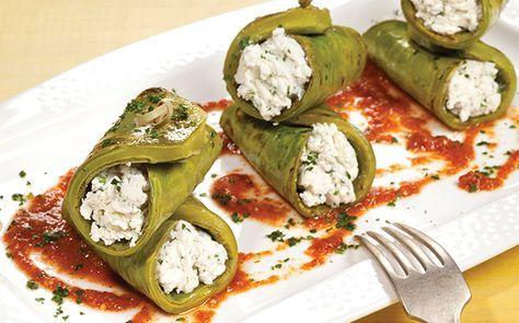 Nopal relleno de requesón con salsa. Sabemos que te gusta lo práctico y delicioso, por ello Cocina Vital propone ésta receta www.cocinavital.mx