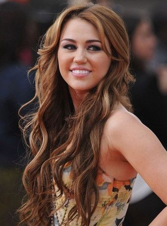 Miley Cyrus' Long Brown Waves back when she was normal and was ACTUALLY PRETTY :/