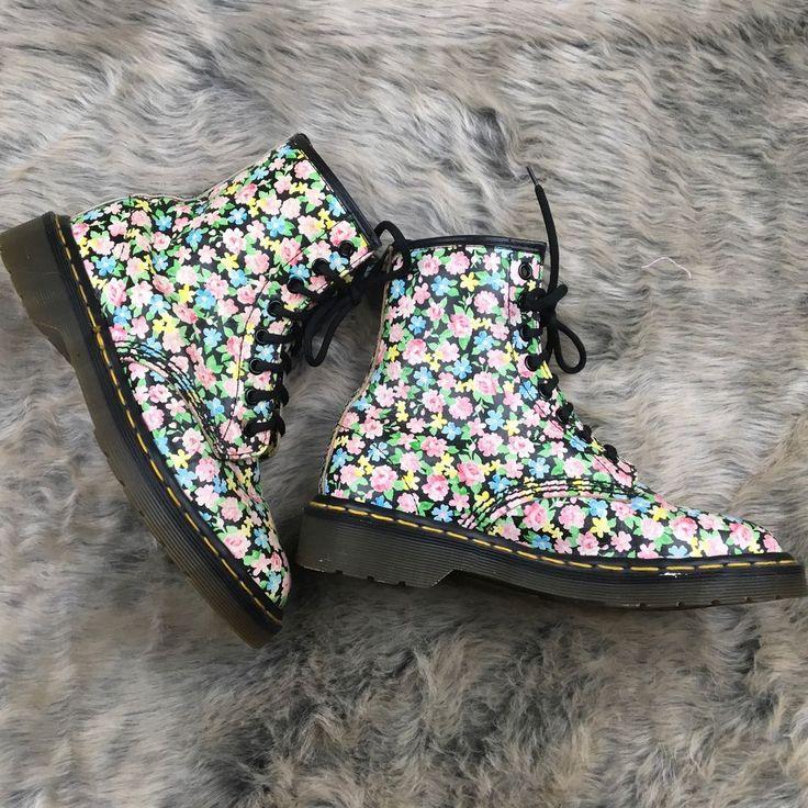 Vintage Doc Martens Floral Boots Original made in England Women's 7 US / 5 UK #DrMartens #AnkleBoots
