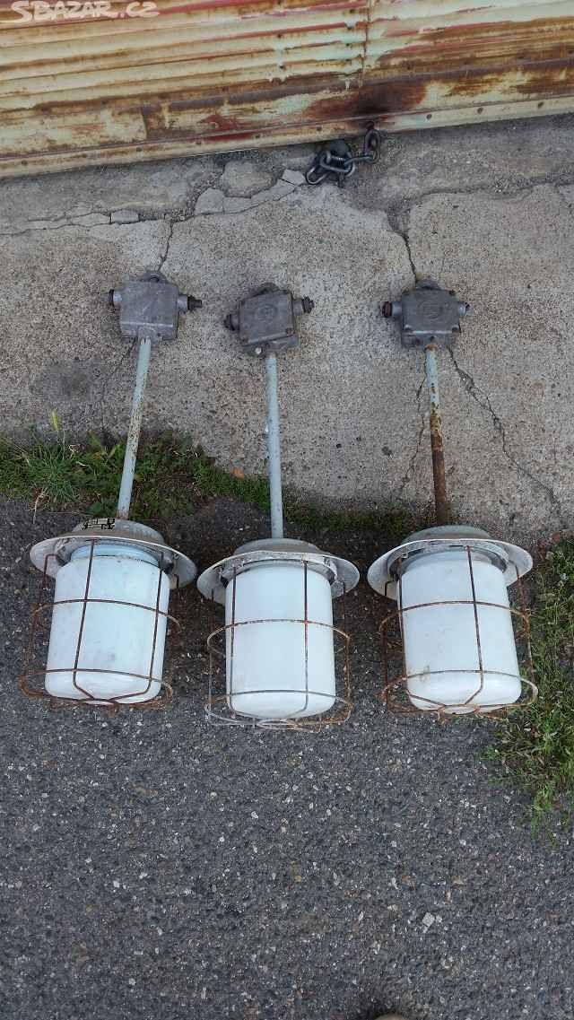 Staré industriální lampy - obrázek číslo 2