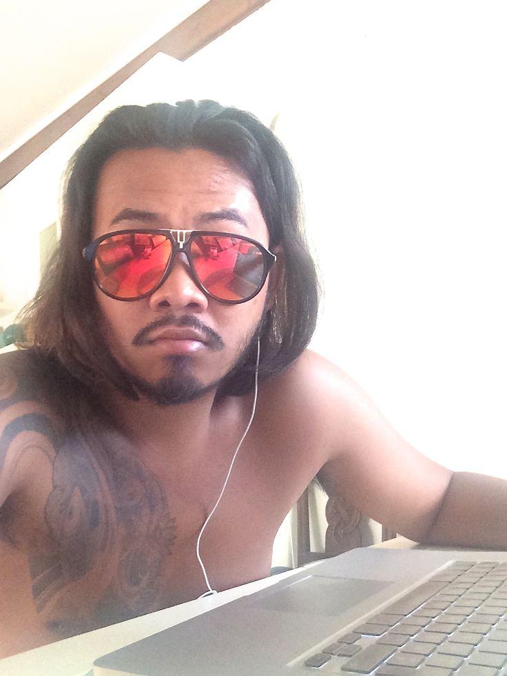 Mens hairstyle long hair summer sunglasses