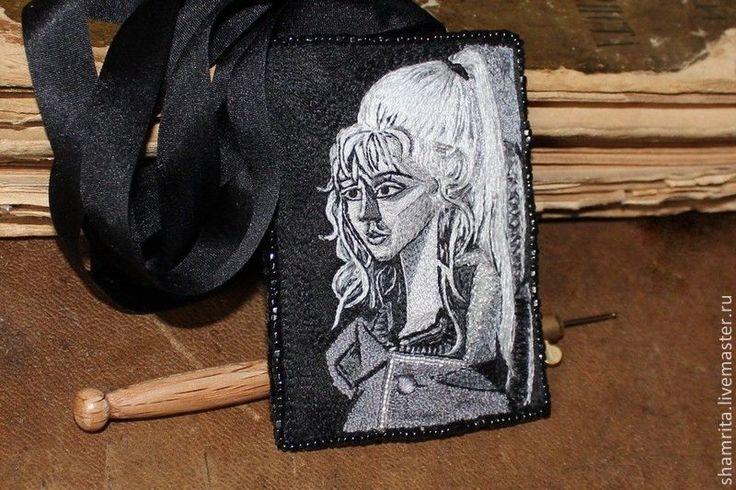 Купить Брошь-подвес Пикассо Portrait de Sylvette David - черно-белый, шелковый, бархат
