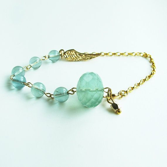 Natural green fluorite bracelet, 24 K gold plated chain and wing charm, candy color gemstone dainty bracelet, wholesale available #christmas #xmas #halloween #highquality #affordable #freeshipping #bead #beads #gem #gems #gemstone #gemstones #jewelry #jewellery #jewelrymaking #jewelrysupplies #jewelrysupply #etsy #farragem #design #designer #handcrafted #handmade #ring #necklace #earrings #bracelet #pendant