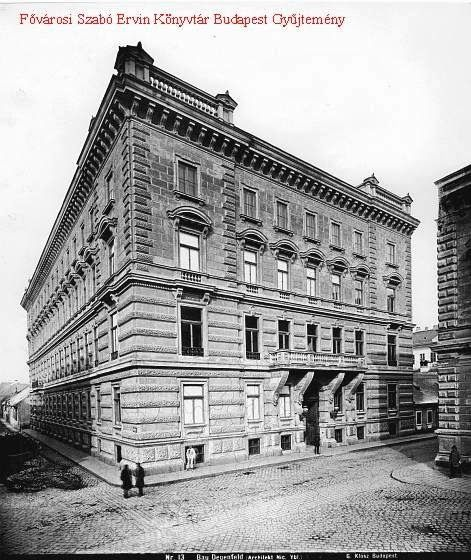the Degenfeld-Schomburg palace - combining the palace with the tenement house