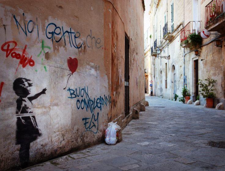 Banksy a Lecce. La ragazza col palloncino.