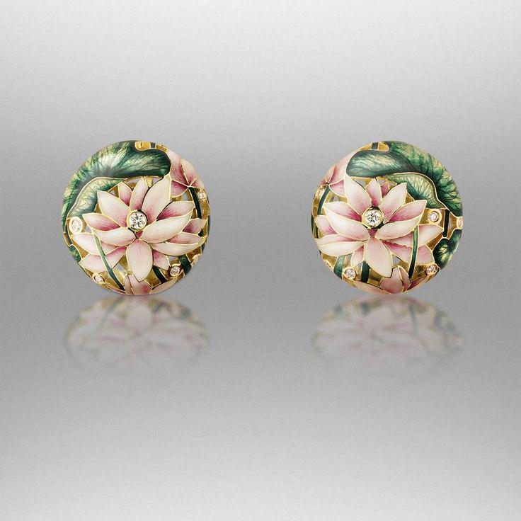Lotus earrings by Ilgiz Fazulzyanov