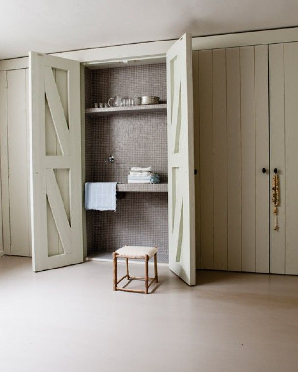 loving the versatility of top to bottom closet doors now, it opens up spaces, hides clusters, serves as a connection between spaces