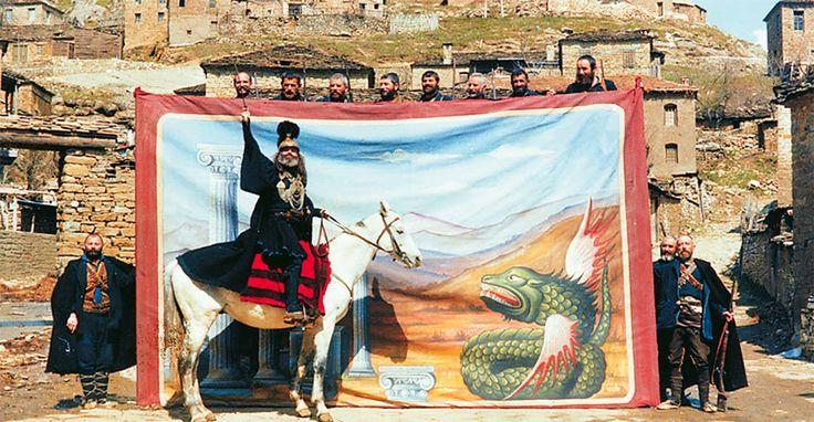 Το ενδιαφέρον και η διαπάλη για την Ιστορία - e-KOZANH