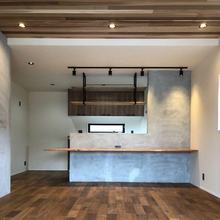 . . Bauhaus 【Vintage Style OPEN HOUSE 】 with Pablo ポップアップショップ . NYやポートランドのカフェを思わせるようなスタイリッシュなデザイン . マットブラックや古材、コンクリートで仕上がった無彩色の空間はグリーンの鮮やかさが際立ちます . 階段手摺りのエクスパンドメタルは男らしさを演出...など見どころタップリ! . . 今回は志摩のフラワーショップ兼園芸雑貨屋 「pablo(パブロ) @pablo_flowers 」さんがポップアップストアとして3日間出店してくれます!! カッコイイ植物や園芸道具、作業着(エプロン)、ドライフラワーなどの商品が並びます♪ 津市では初出店となるpabloさん どうぞこの機会をお見逃しなく〜 . ▷場所 津市高茶屋 . ▷日時 2/10sat 11sun 12mon 10:00 - 17:00(予約優先) . ▷お問合せ先 Bauhaus Inc. (バウハウス株式会社) ➿0120-022-377 http://bauhaus-plus.com . . #openhouse…