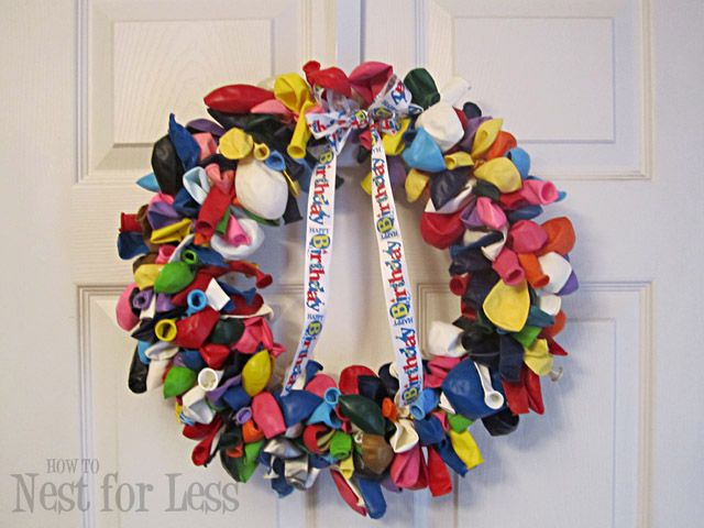 How to....Make a Balloon Wreath! So Cute for a birthday party!