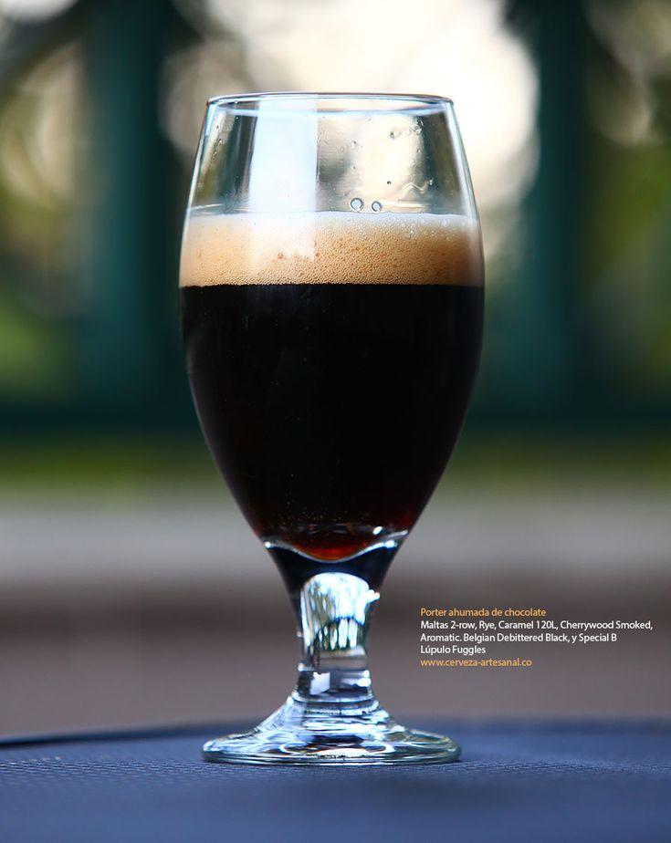 Porter ahumada de chocolate con maltas 2-row, Rye, Caramel 120L, Cherrywood Smoked, Aromatic. Belgian Debittered Black, y Special B; Lúpulo Fuggles | Cómo hacer cerveza artesanal en casa