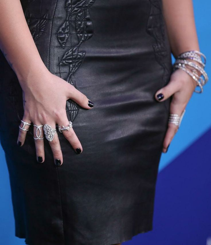 Demi Lovato goes for a sparkle-overload with shimmery bracelets and rings from Lynn Ban and XIV Karats at unite4:good and Variety's unite4:humanity Gala | Trend 911