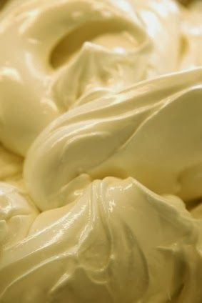 Crema Gelato - Crema flavor is the most popular flavors in Italian gelateries