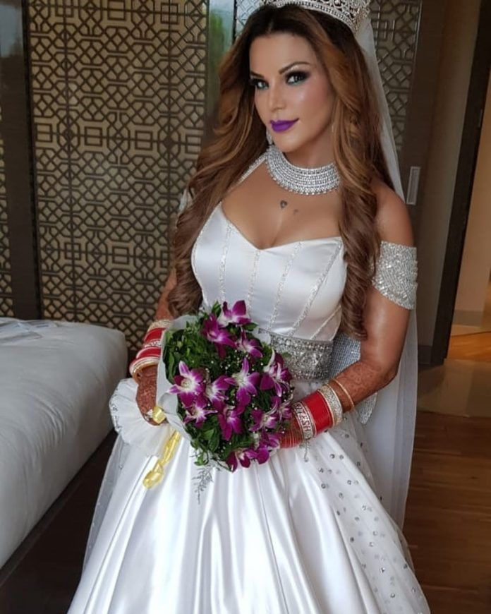 Rakhi Sawant Gets Married Secretly With An Nri At Jw Marriott White Bridal Bridal Pictures White Bridal Gown