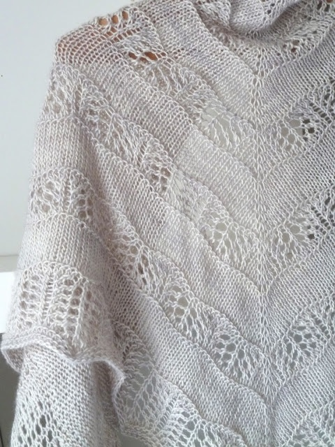 Knitting Pattern Shawl: Shaelyn