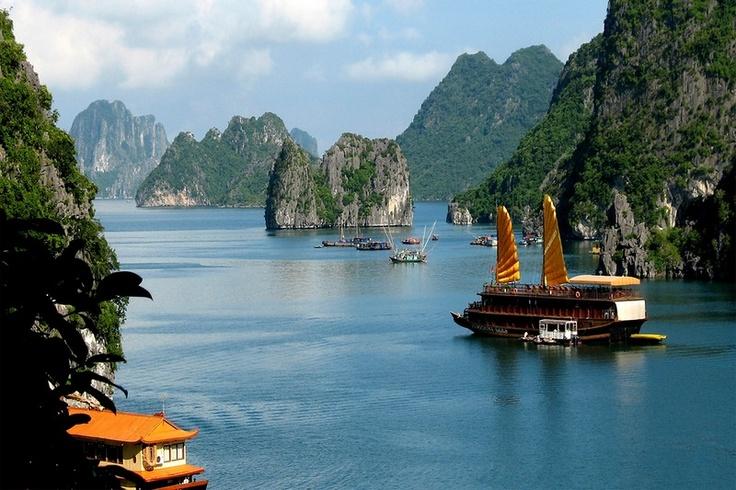 Бухта Халонг. Вьетнам.