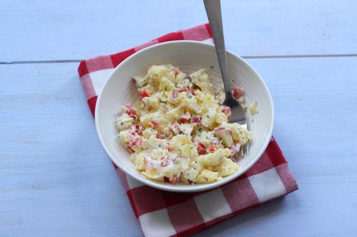 Zin in een lekkere aardappelsalade met een twist? Klik dan gauw verder en duik lekker de keuken in!
