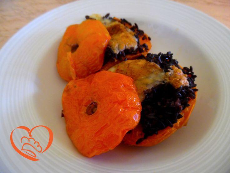 Pomodori ripieni di riso venere,mozzarella e bottarga http://www.cuocaperpassione.it/ricetta/95371f4c-9f72-6375-b10c-ff0000780917/Pomodori_ripieni_di_riso_veneremozzarella_e_bottarga