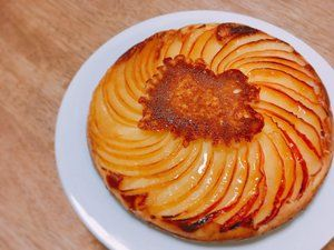 「プライパンにバターとお砂糖を入れて、りんごを並べて、ホットケーキ生地を流し込んで焼くだけの簡単ケーキ。」のYahoo!検索(リアルタイム) - Twitter(ツイッター)、Facebookをリアルタイム検索