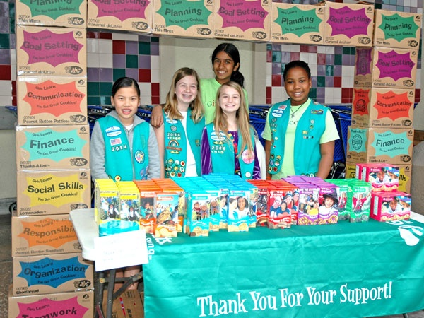 """Girl Scout Cookies cookie box """"arch"""" for cookie sales. #BlingYourBooth > bit.ly/1Pxsjfz"""