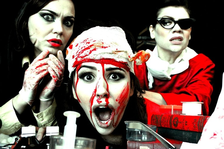 Nervo Craniano Zero - v. 1.0 (2009) - Michelle Pucci, Rafaella Marques & Simone Martins. Foto: Marco Novack.