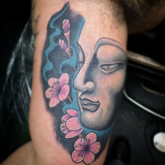 【stay_true_tattoos】さんのInstagramをピンしています。 《Tattoo by @dapiratemike  #tattoo #tattoos #tattooed #colortattoo #buddha #buddhatattoo #cherryblossoms #cherryblossomtattoo #eternalink #kingpintattoosupply #blackclaw #saniderm #stencilstuff #sharpsburg #sharpsburgtattoo #cowetacounty #cowetalife #cowetatattoo》