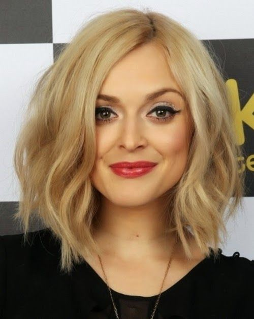medium wavy hairstyles for round faces
