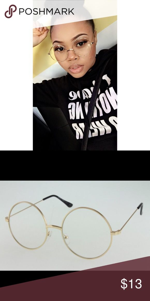 🔥1 HOUR SALE🔥 Gold Vintage Glasses Brand New Comes with a case Accessories Glasses
