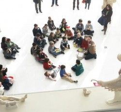 At this Christmas activity, kids will decorate the trees of the Acropolis Museum with their own creations, prepared during the workshop!