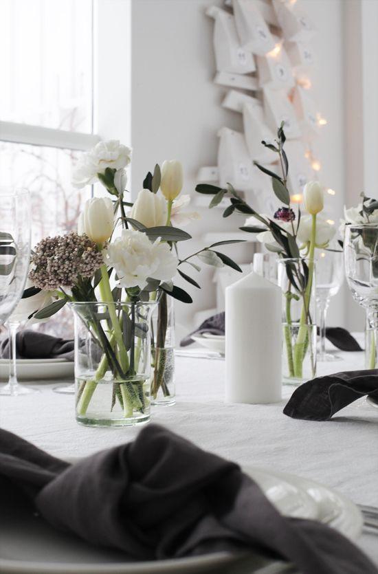 Flower arrangement with tulips