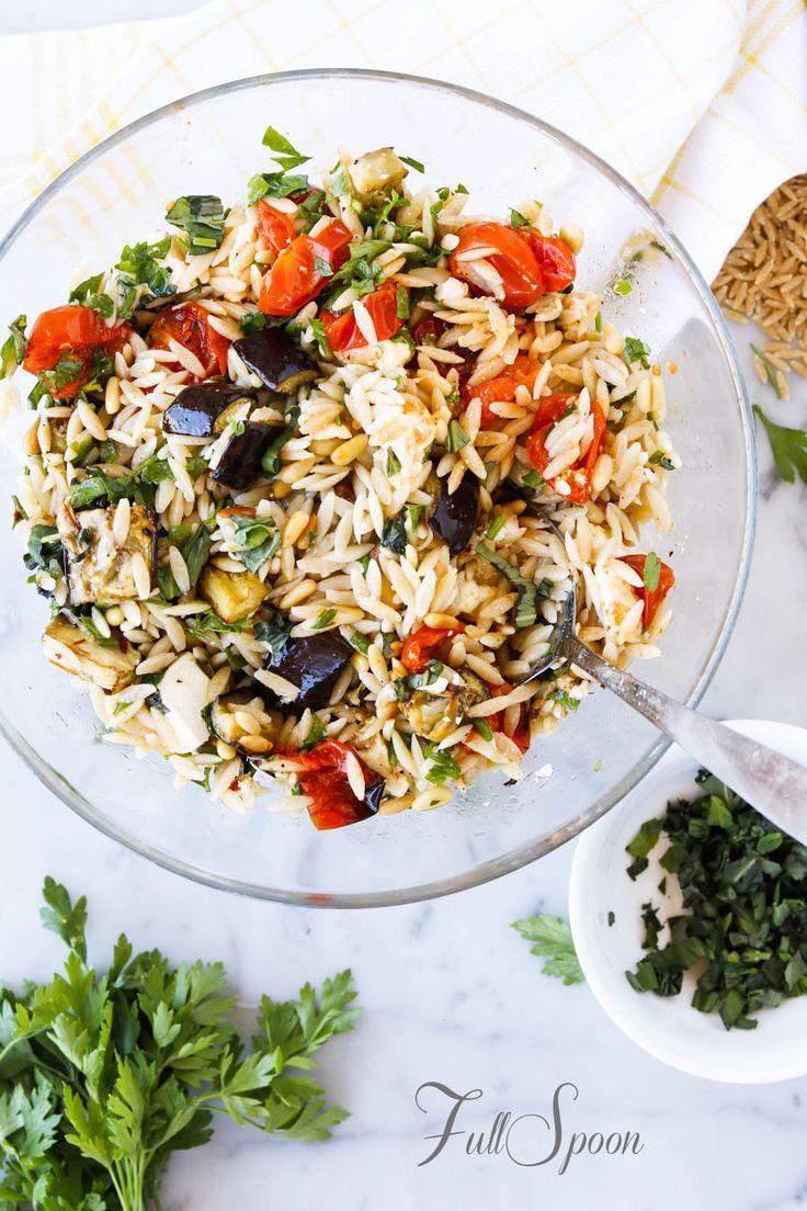 Паста орзо с запеченными овощами! http://fullspoon.ru/pasta-orzo-s-zapechennymi-ovoshhami/