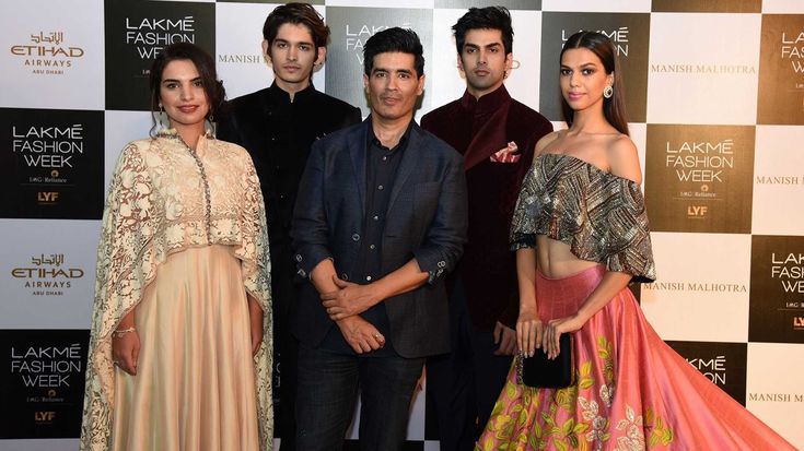 You can see Manish Malhotra's upcoming collection through virtual reality