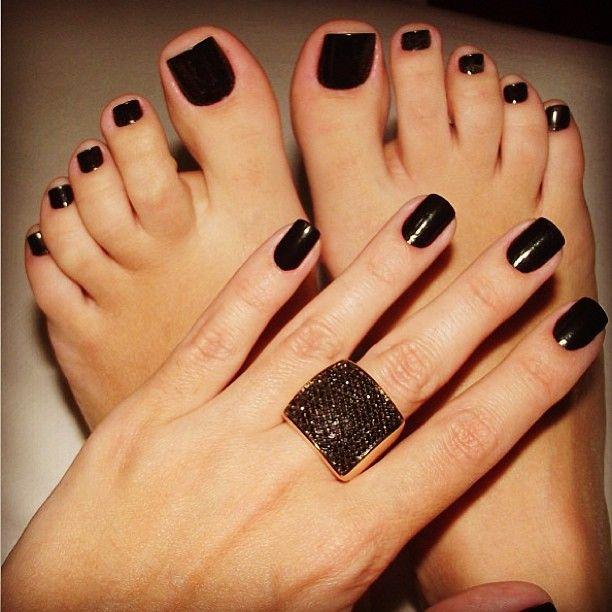 Stunning Female Feet