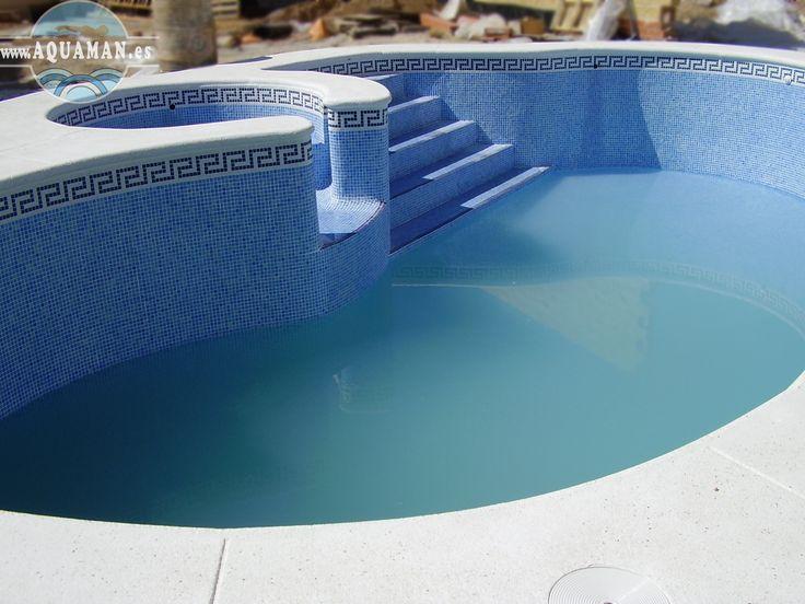 Terminan la piscina con coronamiento artificial.
