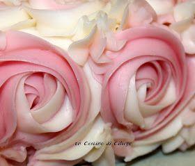 Torta di rose realizzate con crema al burro, elegante e raffinata! Vi assicuro non è difficile prepararla basta seguire la ...