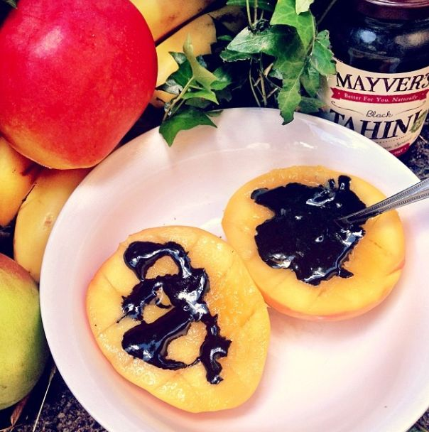 Yummy breakfast, we are trying our Black Tahini drizzled on some juicy mango and it tastes absolutely divine! (-: #mayvers #purestate #breakfast #goodhealth #cleaneating #tahini #soyummy