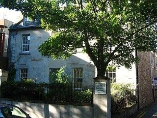 Beautiful Old Merchant's House in Historic Central Edinburgh