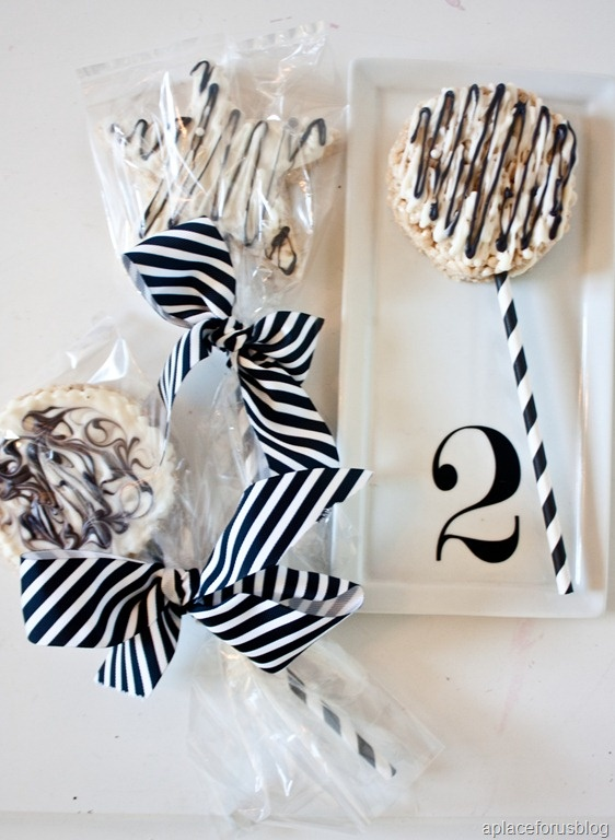 129 best images about black and white wedding ideas on pinterest favor boxes damasks and wedding. Black Bedroom Furniture Sets. Home Design Ideas
